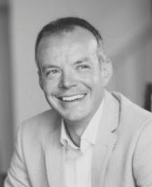 A portrait image of Martin Boakes